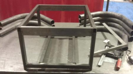 Делаем каркас из металлических направляющих