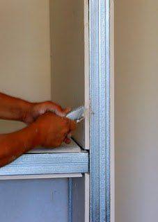 SHpaklyuem-kraya-i-styiki-listov-gipsokartona Фальшкамин для квартиры своими руками фото пошаговой инструкции