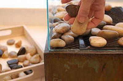 Декорируем биокамин камнями