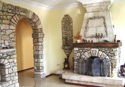 Лак , помимо камина, может покрывать и другие элементы отделки помещения