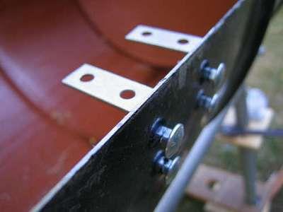 Один из способов установки кронштейнов для решетки