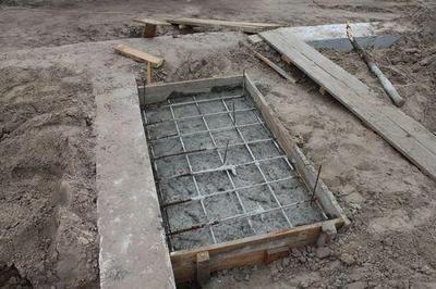 Лучший вариант - предусмотреть фундамент на этапе строительства дома