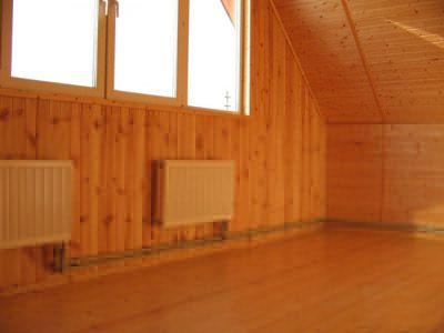 монтаж батарей в деревянном доме