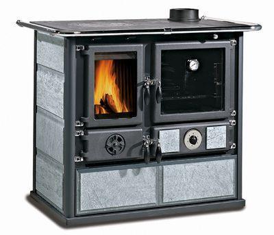 и даже иметь вместительный духовой шкаф для приготовления выпечки
