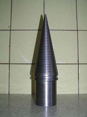 Главный рабочий инструмент механического дровокола - конус