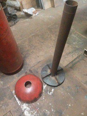 Воздуховод, приваренный к кругу-основанию