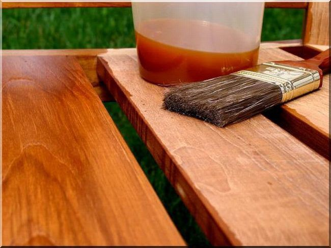 Хорошо пропитайте древесину