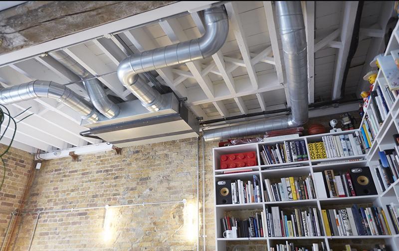 Внутренний блок канального кондиционера предназначен исключительно для скрытого монтажа