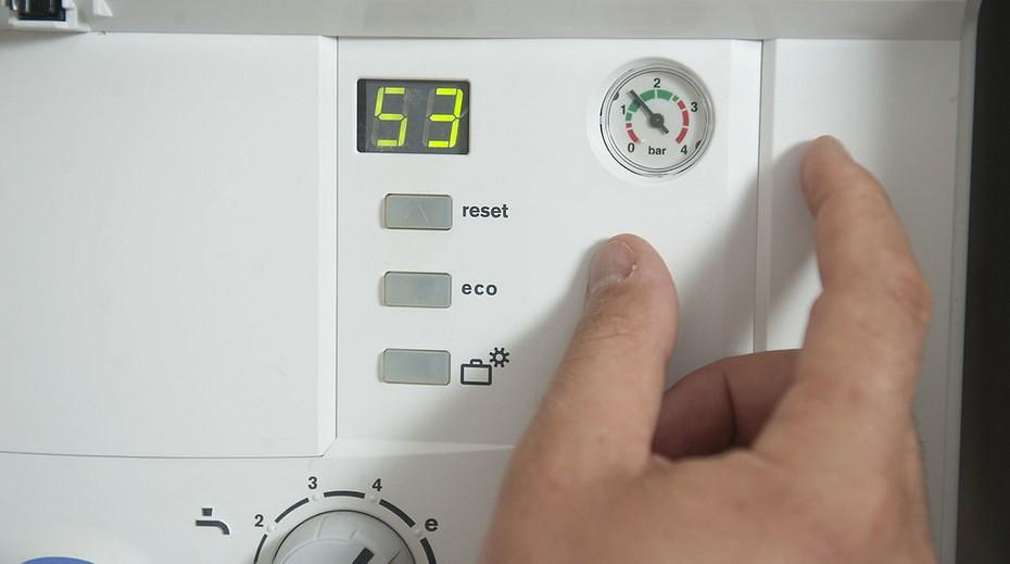 При превышении температурных показателей воды, проблема заключается в неисправности терморегулятора или термореле
